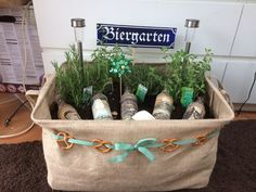 Gift idea for men! Beer garden with herbs. Gift idea for men! Beer garden with herbs. Gift idea for men! Beer garden with herbs. Gift idea for men! Beer garden with herbs. Christmas Party Invitations, Birthday Invitations, Homemade Art, Birthday Presents, Diy Gifts, Gifts For Women, Reusable Tote Bags, Beer, Anna