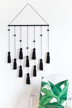 troddel-Wandbehang selber basteln als coole wanddeko idee für weiße wände Best Picture For Wall decor living room For Your Taste You are looking for something, and it is going to tell you exactly what Diy Tumblr, Diy Casa, Deco Boheme, Diy Tassel, Tassels, Tassles Diy, Ideias Diy, Cute Dorm Rooms, Kids Rooms