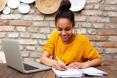 O ensino está se tornando cada vez mais um campo de disputa potencial entre professores e pais.Existe algum sentido nessa disputa ou vale a pena tomar uma terceira posição? Os… Black Women, Writing, Woman, Google Search, Projects, Teaching Plot, Tips, Dads