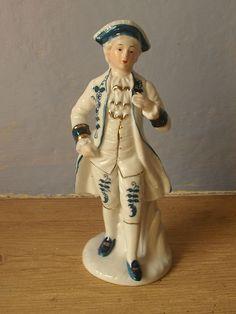 **figurine