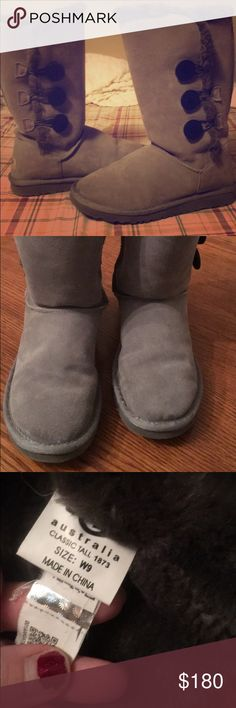 WORN TWICE Women's Bailey Button Triple UGGS Size9 Adorable Excellent condition Super comfy UGGS they are really cute and very versatile they go with almost anything I love these they just don't fit as good as a 10 for me so I'm selling them. Original price 225$ UGG Shoes Winter & Rain Boots