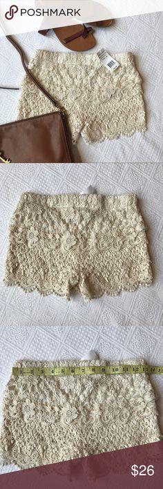 NWT Hippie Laundry full Crochet shorts XS cream Very cute and NWT HIPPIE LAUNDRY Crochet shorts in size XS hippie laundry Shorts
