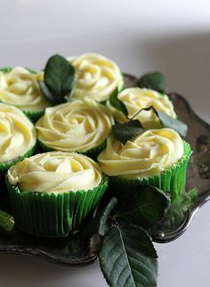 Rose cupcakes #cupcakes #cupcakeideas #cupcakerecipes #food #yummy #sweet #delicious #cupcake