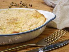 Il Gattò di Patate, nome con cui è meglio conosciuto il gateau di patate, è una ricetta tipica della cucina napoletana. Un piatto molto gustoso che ho vol..