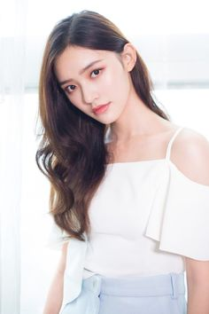 Gamecoolmath has many strategy and logic games for brain training , for everyone, where logic & thinking in Cool math fun games. New Games Most Beautiful, Beautiful Women, Gorgeous Girl, Korean Girl Fashion, Photo Makeup, Chinese Actress, Girl Crushes, Pretty Face, Asian Woman