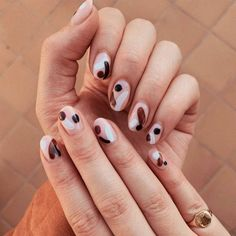 Nail designs are the best way to keep your manicure looking fresh. so embrace your cuticles and check out these easy and enviable nail designs and ideas for all seasons and events. Cute Gel Nails, Short Gel Nails, Pretty Nails, Minimalist Nails, Bird Nail Art, Lemon Nails, Gel Nagel Design, Nagel Hacks, Nagellack Trends