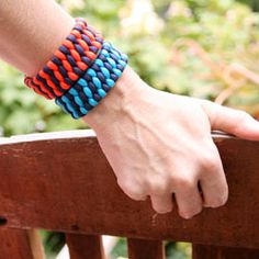 A simple tutorial to make these perfect fall cuff bracelets from paracord.