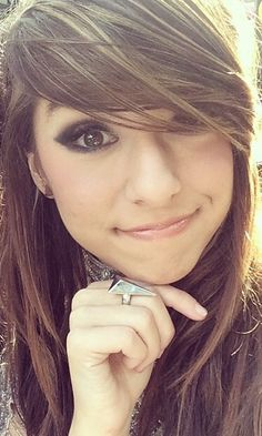 Isn't she so adorable omg Famous Women, Famous People, Christina Grimme, Yolo, Superman, Universe, Victoria, Celebs, Queen