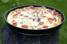 Makkarapiiras Cheeseburger Chowder, Pizza, Soup, Snacks, Eat, Appetizers, Soups, Treats