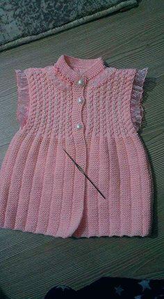 Baby Dress Patterns, Baby Knitting Patterns, Knitting For Kids, Hand Knitting, Knit Baby Dress, Baby Vest, Baby Sweaters, Macrame, Knit Crochet