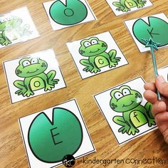 These frog letter activities are so fun for spring literacy centers in Pre-K and Kindergarten! Just grab the FREE frog letter printables! Frog Activities, File Folder Activities, File Folder Games, Letter Activities, Spring Activities, File Folders, Toddler Activities, Letter Identification Activities, Letter Recognition Games