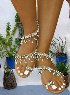443b04fab9a70 Handmade women flat leather sandals embellished with fine