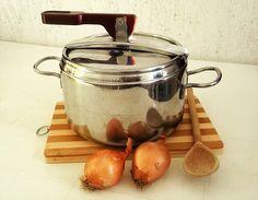 Stamattina troverete una nuova categoria nel mio blog la scuola di cucina e inizio dalla PENTOLA A PRESSIONE http://blog.giallozafferano.it/lacucinadimarge/pentola-a-pressione-scuola-di-cucina/