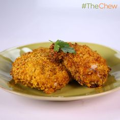 Clinton Kelly's Oven-Fried Chicken! (Less than 300 calories per serving) #TheChew #Chicken