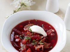 Borschtsch ist ein Rezept mit frischen Zutaten aus der Kategorie Gemüsesuppe. Probieren Sie dieses und weitere Rezepte von EAT SMARTER!