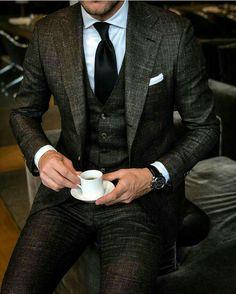 Shirt tucked in, teen boy fashion, african men fashion, suit and tie, weddi Gentleman Mode, Gentleman Style, Dapper Gentleman, Best Suits For Men, Cool Suits, Men's Suits, Moda Formal, Mode Costume, Designer Suits For Men