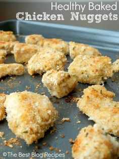 Healthy Baked Chicken Nuggets recipe from The Best Blog Recipes! No egg wash, no frying in oil! My new favorite way to make chicken nuggets!