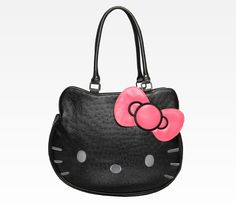 Hello Kitty Face Shoulder Tote: Ostrich --- i seriously need to rock this bag.