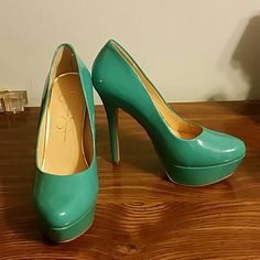 Turquoise pumps Turquoise pumps. Great condition. Beautiful color. 4 inch heel. Jessica Simpson Shoes Heels
