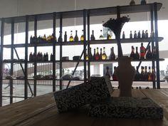 Aspecto Econômico - A torre possui uma loja que vende alguns produtos artesanais, assim fortalecendo sua parte econômica.
