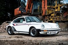 Martini Turbo   #porsche #classic930 #turbotuesday #martini #carporn by #911outlaw  credit: @silverstoneauctions