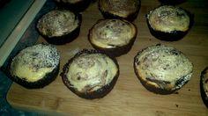 Cheesecake brownies Cheesecake Brownies, Muffin, Crystal, Breakfast, Food, Morning Coffee, Muffins, Meal, Essen