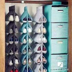 鞋子多,家裡好凌亂啊,鞋子一定要放在鞋櫃嗎?我家鞋子都放樓梯里呢!教你七種歸置鞋子的方法,學起來,家裡乾淨! - 愛經驗