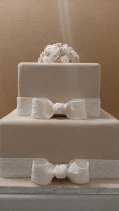 Ivory and White Wedding Cake (ribbon round base to be attached!)
