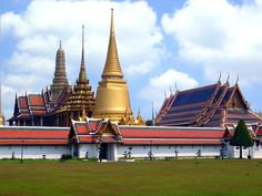 The Emerald Buddha Temple - Bankok Thailand