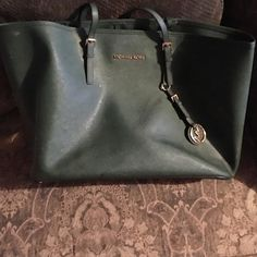 Mk green purse big size good conditions Don't use it bored of it big is big really nice Michael Kors Bags Shoulder Bags