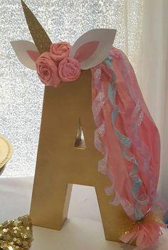 """Ideas para números y letras estilo """"unicornio"""" para cumpleaños - http://xn--manualidadesparacumpleaos-voc.com/ideas-para-numeros-y-letras-estilo-unicornio-para-cumpleanos/"""