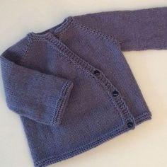Baby Knitting Patterns, Knitting For Kids, Knitting Designs, Cardigan Bebe, Baby Cardigan, Baby Blanket Crochet, Crochet Baby, Brei Baby, Tricot Baby