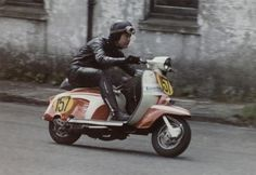 Iggy Mycock, Manchester Lyons, IOM Scooter Week 1970 S type Piaggio Scooter, Vespa Lambretta, Vespa Scooters, Italy Street, Scooter Design, Scooter Girl, Supersport, Amazing Cars, Vintage Pictures