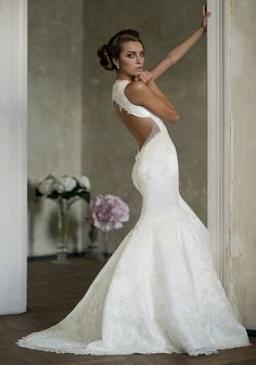 Superb Wish I was skinny enough to pull this off Here es the bride Pinterest Stella york Lace wedding dresses and Lace weddings