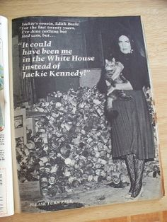 Edie Beale - Grey Gardens - 1972 upon speaking of marrying JFK, she envy her cousins Jackie and lee Edie Bouvier Beale, Edie Beale, Grey Gardens House, Gray Gardens, Familia Kennedy, Film Story, Old Mother, People Of Interest, Garden Pictures