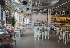 Grain Store, Kings Cross. Cook´s world tour in a setting designed with the clichés of hipster Brooklyn 10 years ago.