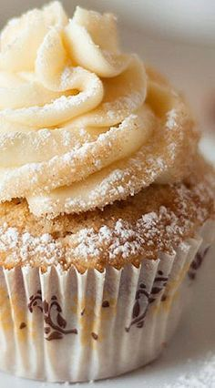 French Toast Cupcakes with Maple Buttercream - Sounds like breakfast!