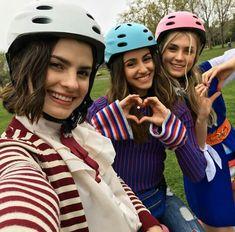 #amigas Beautiful Series, Foto Bts, Disney And Dreamworks, Girls Out, Taylor Swift, Besties, Pikachu, Best Friends, Celebs