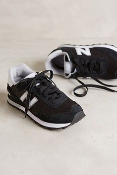 536. new balance black and white