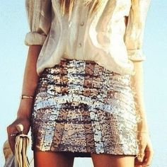 Outfit with Sequin skirt and bangles Fashion Moda, Look Fashion, Fashion Beauty, Womens Fashion, Skirt Fashion, Fashion Clothes, Classy Fashion, Fashion Hair, Runway Fashion