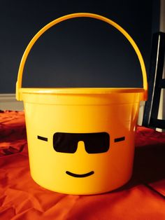 Etsy listing at https://www.etsy.com/listing/181373818/personalized-lego-party-favor-buckets