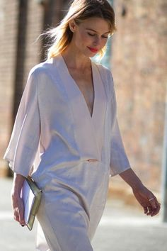 It's getting seriously CHIC down under!                         Photos: Harper's BAZAAR The post 29 Street Style From Australian Fashion Week appeared first on because im addicted.