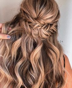 Fishtail braid half up half down #hairstyle #halfuphalfdown #braids