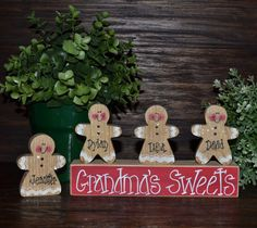 me ~ Gingerbread Christmas Decor Personalized Gingerbread Family Block Set-Personalized Grandma Gift Christmas Decoration Personalized Ho… Gingerbread Christmas Decor, Gingerbread Crafts, Christmas Wood Crafts, Christmas Signs, Christmas Projects, Winter Christmas, Holiday Crafts, Christmas Holidays, Christmas Decorations