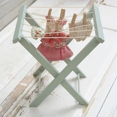 Maileg Washing Line for a doll house Miniature Furniture, Dollhouse Furniture, Diy Dollhouse, Dollhouse Miniatures, Dollhouse Tutorials, Modern Dollhouse, Clothes Line, Doll Clothes, Clothes Horse