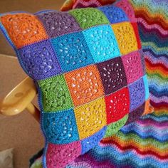 Transcendent Crochet a Solid Granny Square Ideas. Inconceivable Crochet a Solid Granny Square Ideas. Crochet Pillow Patterns Free, Crochet Square Patterns, Crochet Motifs, Crochet Squares, Knitting Patterns, Free Crochet, Granny Squares, Free Pattern, Crochet Blocks
