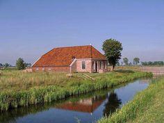 Adorp, boerderij Harssensbosch, op oud borgterrein