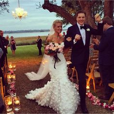 Dreaming about @hanny_bananas's #MarkZunino wedding dress tonight http://www.kleinfeldbridal.com/