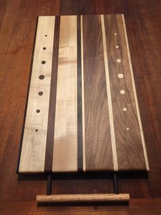 Carpets Of Dalton Furniture Small Projects Ideas, Diy Wood Projects, Woodworking Projects, Diy Cutting Board, Wood Cutting Boards, Walnut Bedroom Furniture, Modern Industrial Furniture, Wooden Chopping Boards, Serving Tray Wood