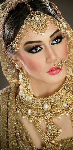 39 Ideas fashion photography indian bollywood for 2019 Indian Bridal Makeup, Bridal Makeup Looks, Indian Bridal Wear, Asian Bridal, Bride Makeup, Pakistani Bridal, Bride Indian, Bridal Lehenga, Wedding Makeup